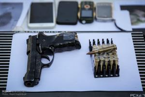 سلاحهای کشف شده از سارقان تهرانی