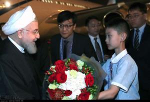 لحظه ورود و استقبال از رئیس جمهور در چین