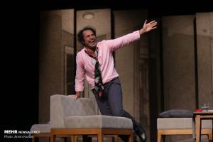 اجرای نمایش «دروغ» در تماشاخانه ایرانشهر
