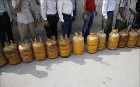 صف گاز در جنوب کرمان هر روز طولانیتر میشود