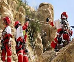 نجات معجزه آسای ۴ فرد گرفتار در ارتفاعات قلات