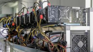 کشف ۹۶ دستگاه استخراج ارز دیجیتال در سلطانیه