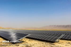 تولید ۴٠ مگاوات برق توسط نیروگاههای خورشیدی فارس