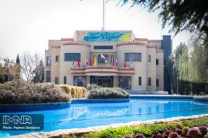 چراغ تئاتر اصفهان روشن شد