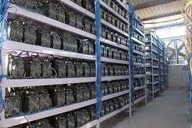 کشف ۵۶۰ دستگاه ماینر خارجی قاچاق در کارگاهی متروکه
