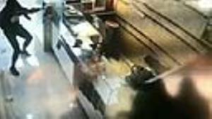 سرقت مسلحانه مردان نقابدار از موبایل فروشی در خرمآباد