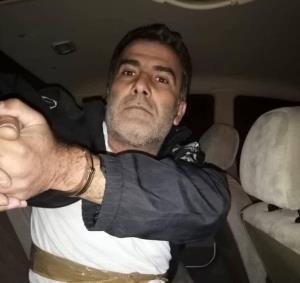تصاویری از دستنوشته و اسلحه هواپیماربای پرواز اهواز-مشهد