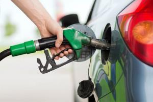 مصرف بنزین در قم صد درصد افزایش یافت