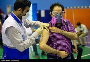 عکس/ آغاز واکسیناسیون ۱۹ هزار پرسنل بهداشت و درمان دانشگاه علوم پزشکی اهواز