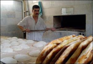 معاون استاندار همدان: با نانواییهای کمفروش برخورد میشود