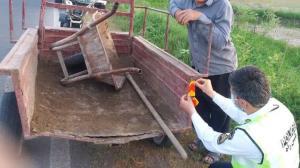نمایانسازی ادوات کشاورزی در جادههای گیلان با نصب برچسب نورتاب