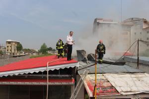 مهار آتشسوزی ۲ کارگاه در جاده لاکان رشت