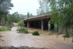 شهروندان قزوینی از تردد در حاشیه رودخانهها خودداری کنند