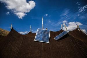 ۸۲۰ پنل خورشیدی بین عشایر چهارمحالوبختیاری توزیع میشود