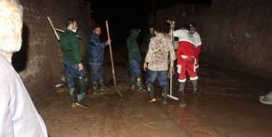 کمکرسانی بسیجیان دامغانی به مردم سیلزده