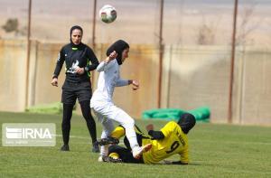 بانوی قزوینی در مسابقات فوتبال آسیای مرکزی سوت میزند