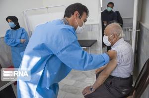 سالمندان بدون نگرانی برای تزریق واکسن کرونا مراجعه کنند