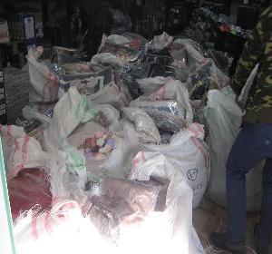 کشف ۵۰ میلیارد ریال پوشاک قاچاق در ساوجبلاغ