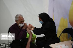 عکس/ طرح ملی واکسیناسیون گروه سنی بالای ۷۵ سال در اصفهان