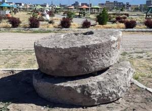 شناسایی ۲ آسیاب سنگی تاریخی در سراب