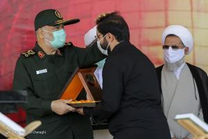 عکس/ فرزند سردار حجازی در مراسم چهلم شهادت پدر