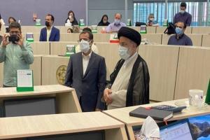 حضور آیتالله رئیسی در تالار بورس تهران