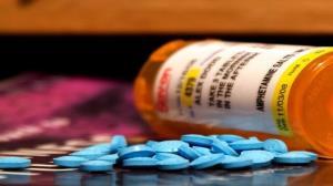 خرید بیش از ۳۰۰ میلیارد ریال دارو برای مبتلایان به کرونا در کردستان