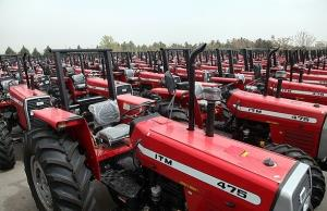 اضافه شدن ۳۴۰ دستگاه تراکتور به ناوگان کشاورزی
