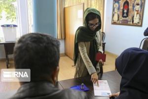 ۹۰۰ ناظر بهداشتی بر شعب اخذ رای کردستان نظارت میکنند
