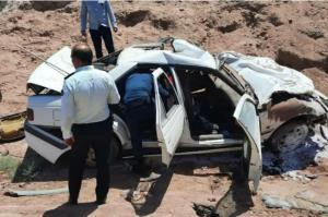 واژگونی پژو در محور آرادان به سرخه یک کشته و ۲ مجروح برجای گذاشت