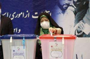 عکس/ رای معصومه ابتکار در حسینیه جماران