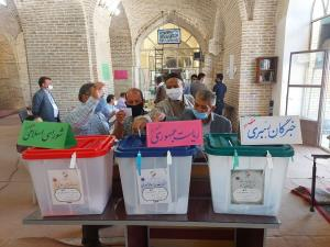 فرماندار: حضور مردم نیشابور در شعب رأیگیری چشمگیر است