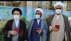 حضور امام جمعه خرمآباد در شعبه اخذ رأی دبستان توحید