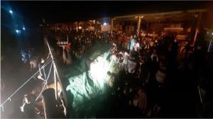 آتشسوزی لنج صیادی در تنگستان مهار شد