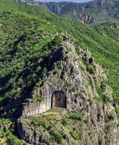 آرامگاه صخرهای ایرانی به سبک نقش رستم در آناتولی