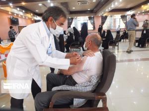 مراکز واکسیناسیون کرونای قم در روزهای تعطیل فعال است