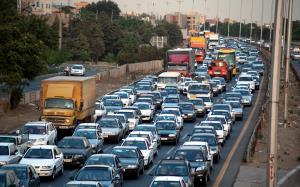 ترافیک در آزادراه کرج-قزوین و تهران-قم سنگین است