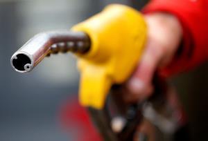 زمان واریز سهمیه بنزین مردادماه اعلام شد