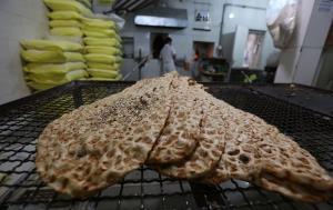 ماهانه ۳۵۷۰ تن آرد بین نانوایان فردیس توزیع میشود