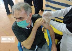 دریافتکنندگان واکسن کرونا پروتکلهای بهداشتی را باید رعایت کنند