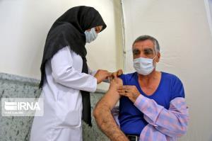 ۴۰ درصد جمعیت هدف مهران واکسن کرونا تزریق کردند