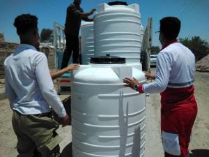 توزیع مخازن آب شرب در روستاهای دچار تنش آبی هویزه