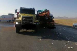 برخورد ۲ خودرو سنگین در جاده آباده به اصفهان
