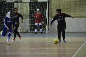 ۴ تیم به مرحله نیمه نهایی فوتسال بانوان فارس راه یافتند
