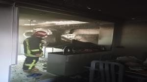آتشسوزی هتل آپارتمان ۳ طبقه در شیراز