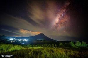 کوه آتشفشانی سینابونگ در اندونزی