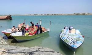 توقیف ۲ فروند شناور قایق ترالکش غیرمجاز در جاسک