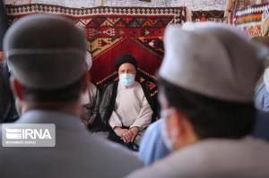 عکس/ حضور رییس جمهوری در موزه شهید رئیسعلی دلواری