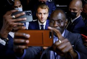 عکس سلفی با رییس جمهور فرانسه