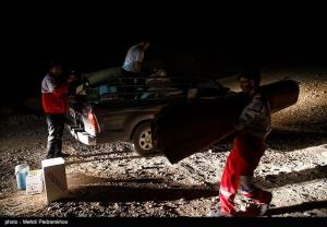 عکس/ امدادرسانی شبانه به آسیب دیدگان زلزله قلعه خواجه خوزستان
